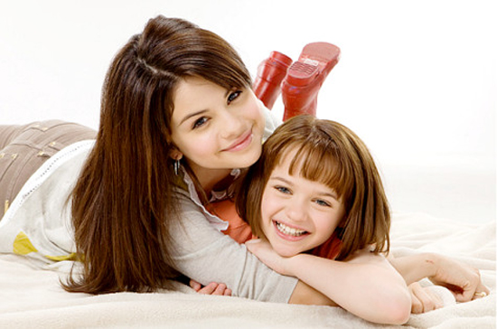 joey king and selena gomez sisters. Ramona Quimby (Joey King)